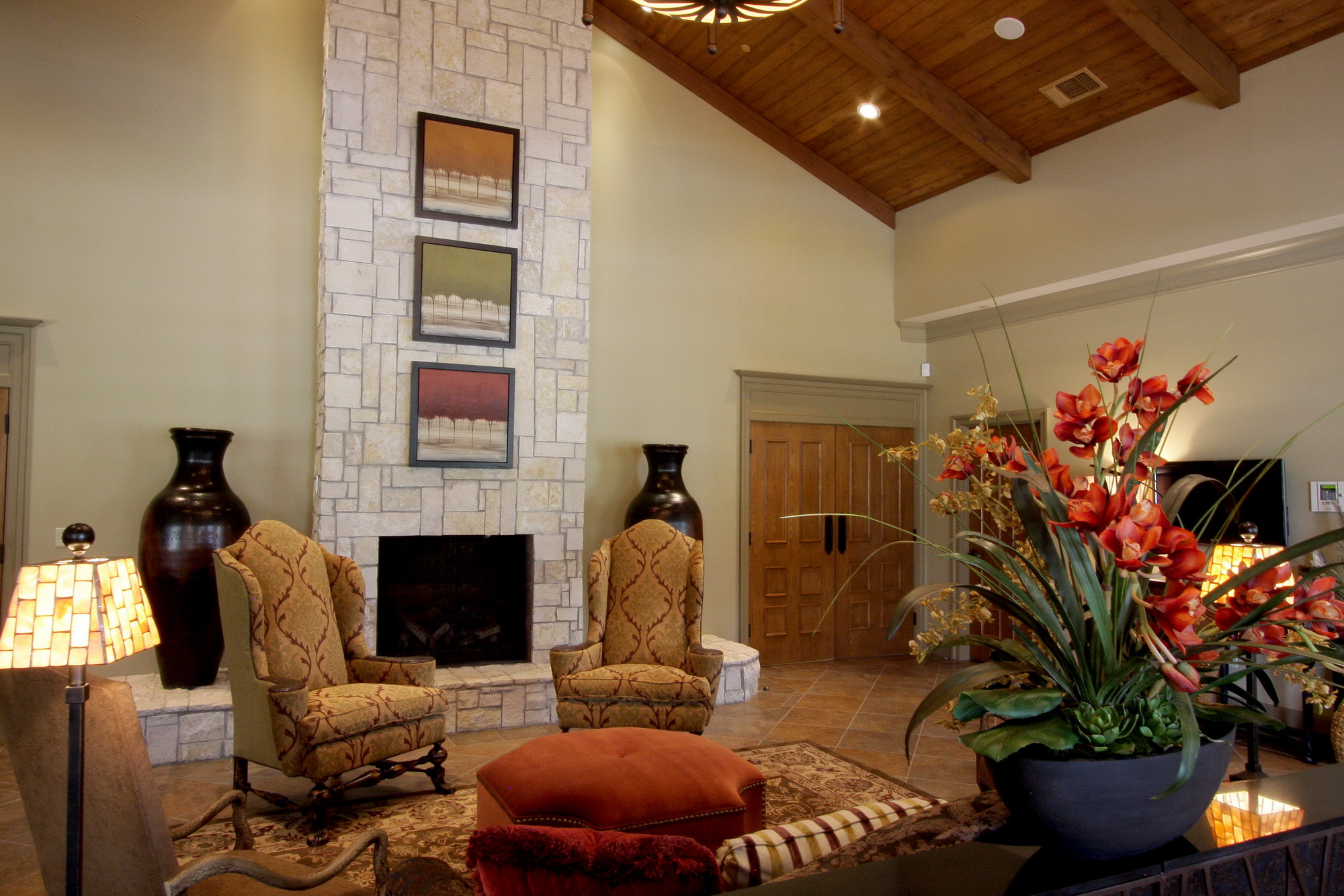 Images Of Home Lobby Decor Ideas